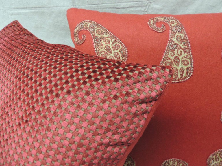 Red Persian Paisley Hand-Applique Embroidered Paisleys Decorative Pillows In Good Condition For Sale In Fort Lauderdale, FL
