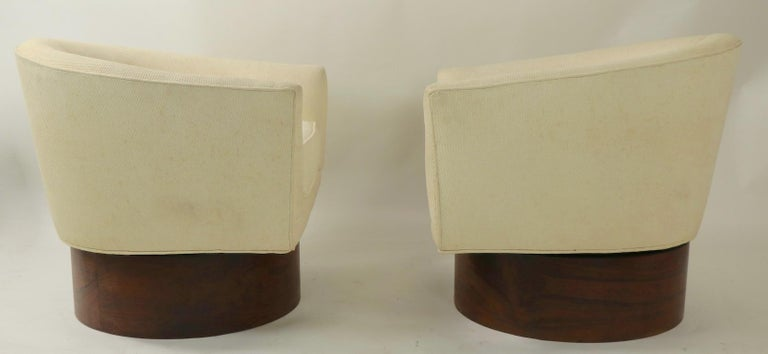 Mid-Century Modern Pair of Swivel Chairs by Baughman for Thayer Coggin For Sale