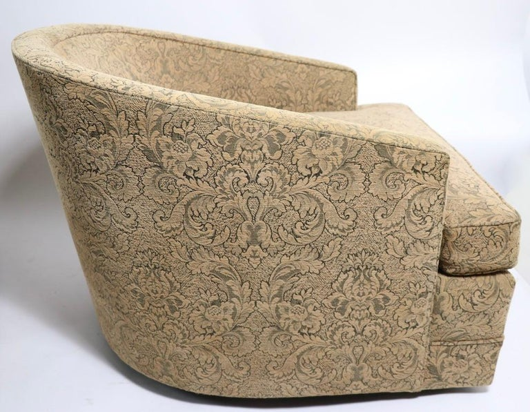 Pair of Swivel Tub Chairs in Chenille Damask For Sale 3