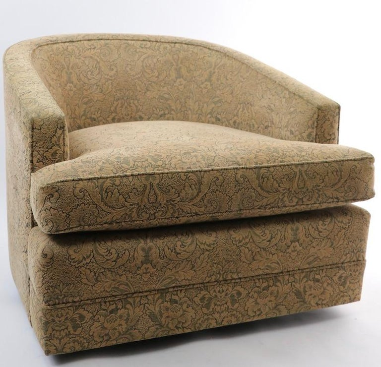 American Pair of Swivel Tub Chairs in Chenille Damask For Sale