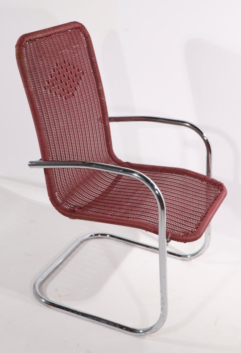 Pr. Tubular Chrome and Woven Plastic Cantilevered Lounge Chairs For Sale 3