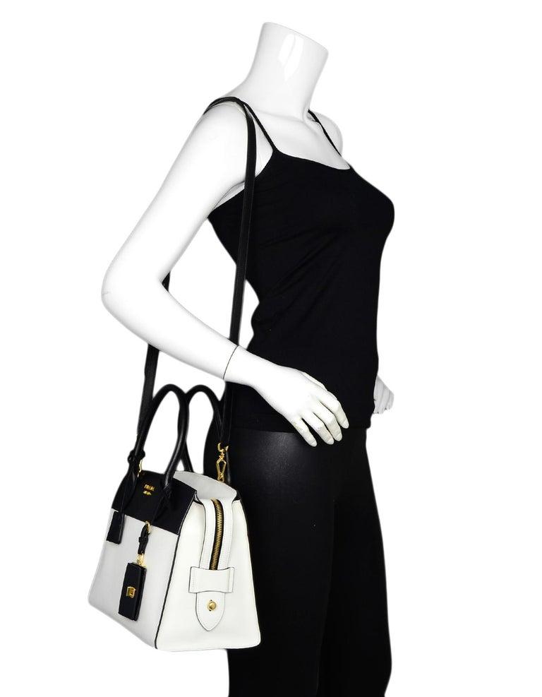 bf8f40048ecf Prada 2018 Bianco White/ Nero Black Bicolor Saffiano Leather Esplanade Tote  Bag W/ Strap
