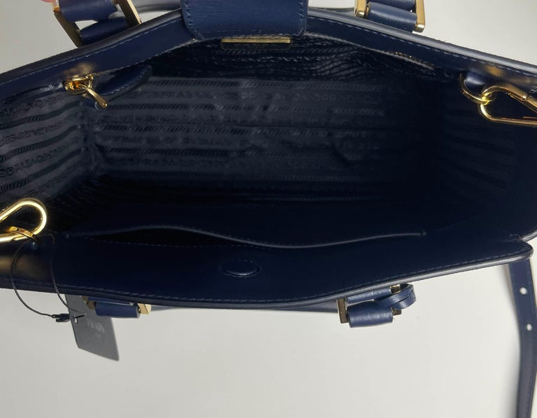 Prada Baltico Navy Blue Saffiano Leather Small Top Handle Crossbody Bag 1BA113 For Sale 3