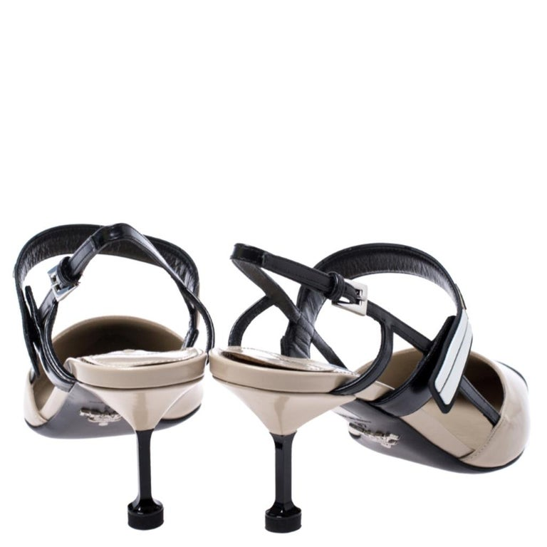 Prada Beige/Black Leather Slingback 65 Kitten Heel Pumps Size 37 In New Condition In Dubai, Al Qouz 2
