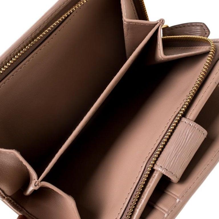 Women's Prada Beige Leather Compact Wallet For Sale
