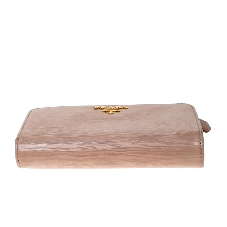 Prada Beige Leather Compact Wallet For Sale 4