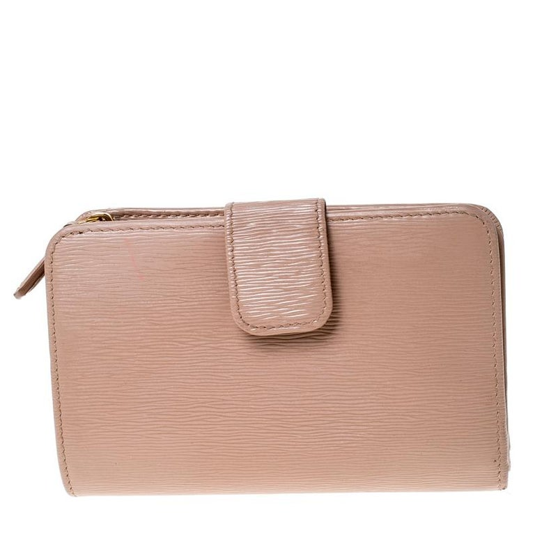 Prada Beige Leather Compact Wallet For Sale 5