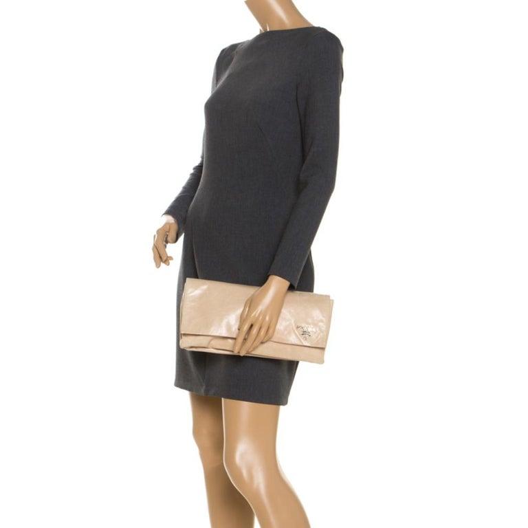 Prada Beige Lux Leather Flap Clutch In Good Condition For Sale In Dubai, Al Qouz 2