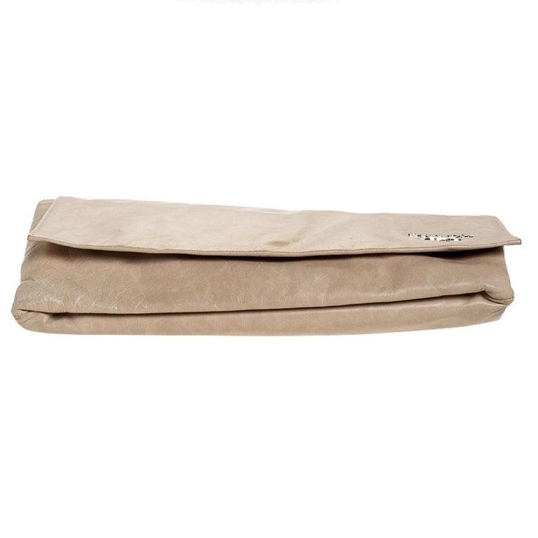 Women's Prada Beige Lux Leather Flap Clutch For Sale