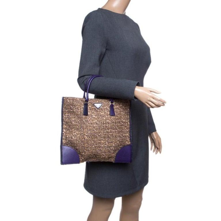 Prada Beige/Purple Tweed and Leather Flat Tote In Excellent Condition For Sale In Dubai, Al Qouz 2