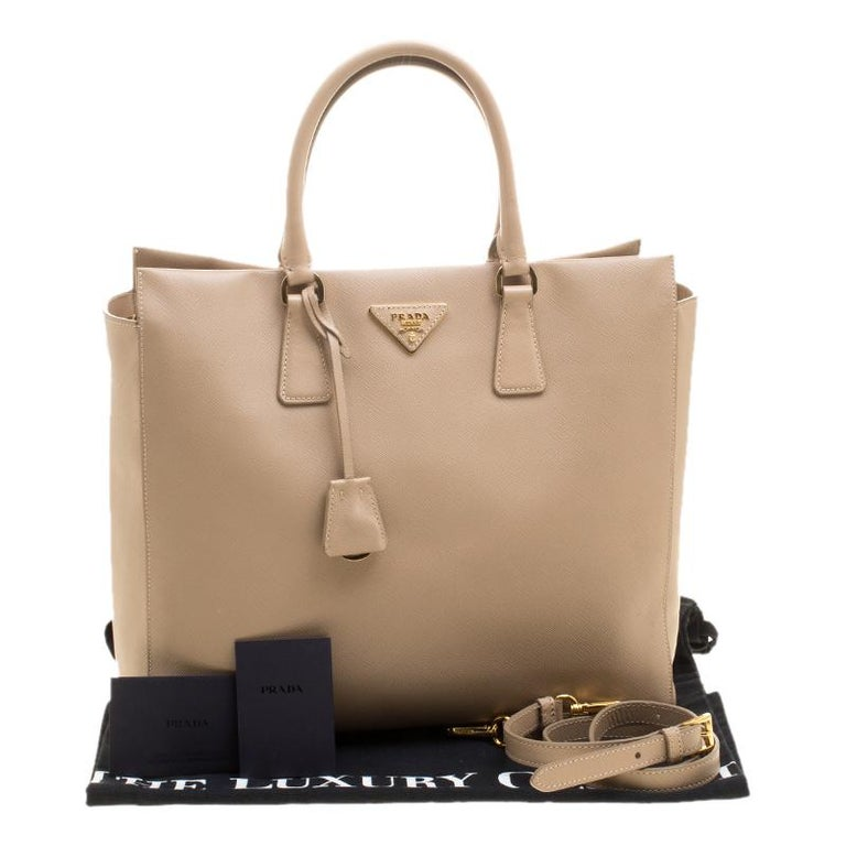 6c3b61828889 Prada Beige Saffiano Leather North south Tote For Sale at 1stdibs