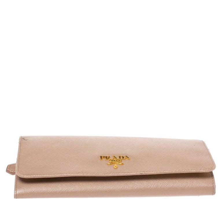 Women's Prada Beige Saffiano Lux Leather Flap Continental Wallet For Sale