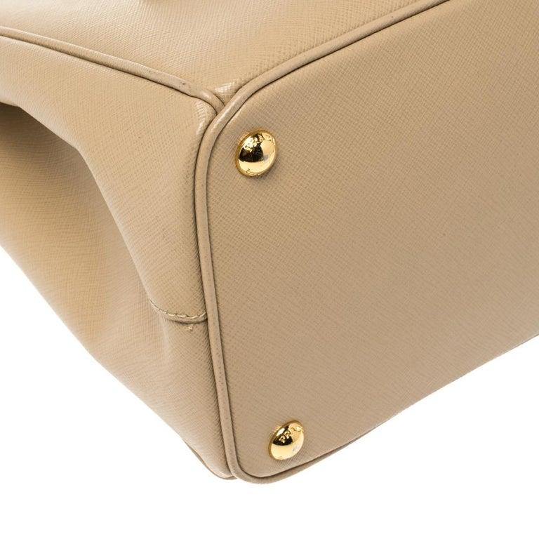 Prada Beige Saffiano Lux Leather Medium Double Zip Tote For Sale 6