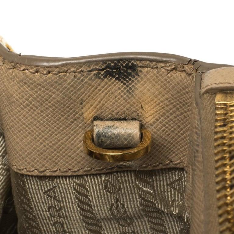 Prada Beige Saffiano Lux Leather Medium Double Zip Tote For Sale 8