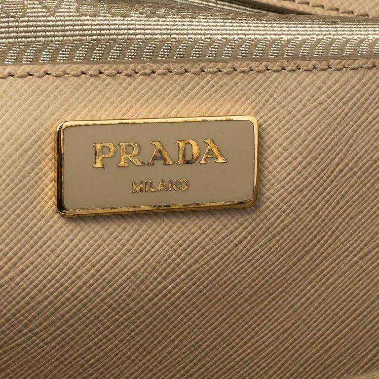 Prada Beige Saffiano Lux Leather Medium Double Zip Tote For Sale 2