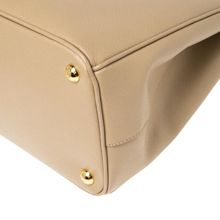 Prada Beige Saffiano Lux Leather Medium Double Zip Tote For Sale 5