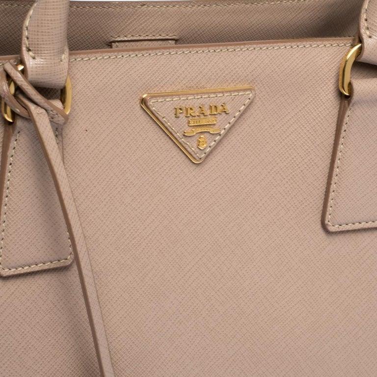 Prada Beige Saffiano Lux Leather Medium Galleria Tote For Sale 2