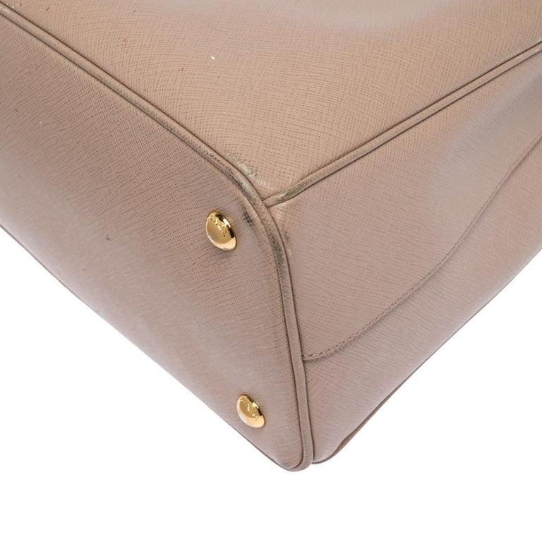 Prada Beige Saffiano Lux Leather Medium Galleria Tote For Sale 3
