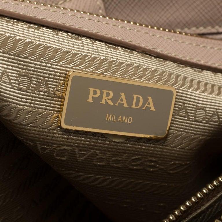 Prada Beige Saffiano Lux Leather Medium Galleria Tote For Sale 5