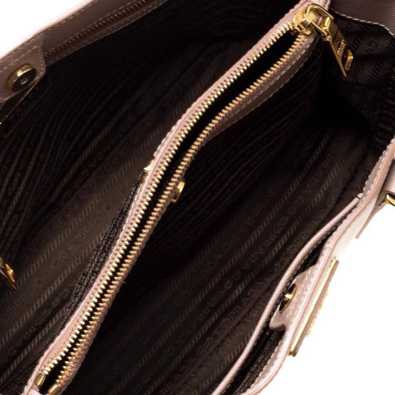Prada Beige Saffiano Lux Leather Medium Middle Zip Tote For Sale 6