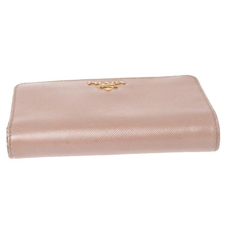 Women's Prada Beige Saffiano Lux Leather Zip Around Compact Wallet For Sale