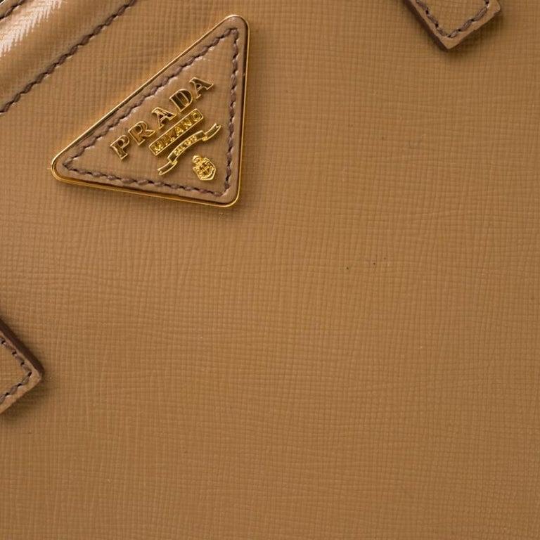 Prada Beige Saffiano Vernice Leather BN2535 Tote For Sale 6
