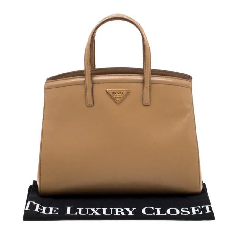 Prada Beige Saffiano Vernice Leather BN2535 Tote For Sale 7