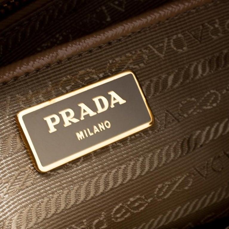 Prada Beige Saffiano Vernice Leather BN2535 Tote For Sale 1
