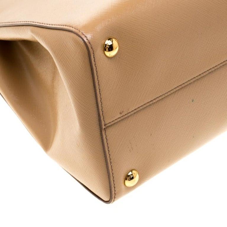 Prada Beige Saffiano Vernice Leather BN2535 Tote For Sale 2