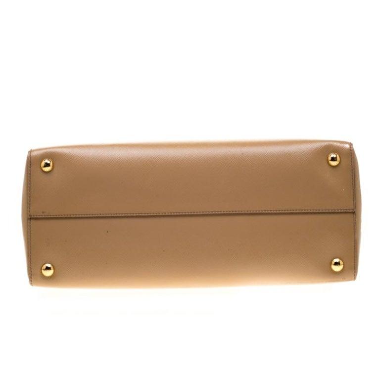 Prada Beige Saffiano Vernice Leather BN2535 Tote For Sale 5