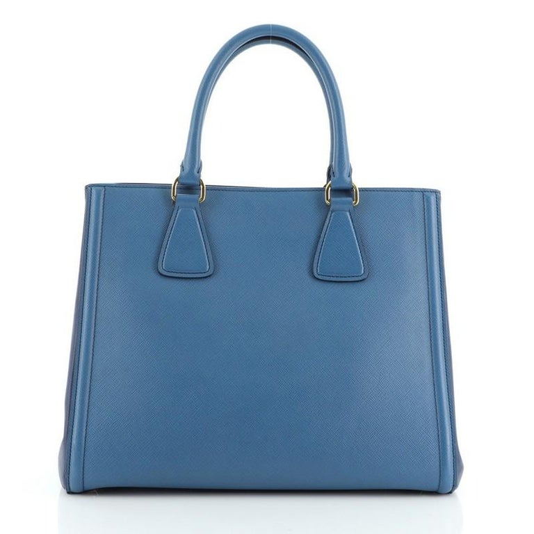 Prada Bicolor Lux Convertible Open Tote Saffiano Leather Medium In Good Condition For Sale In New York, NY
