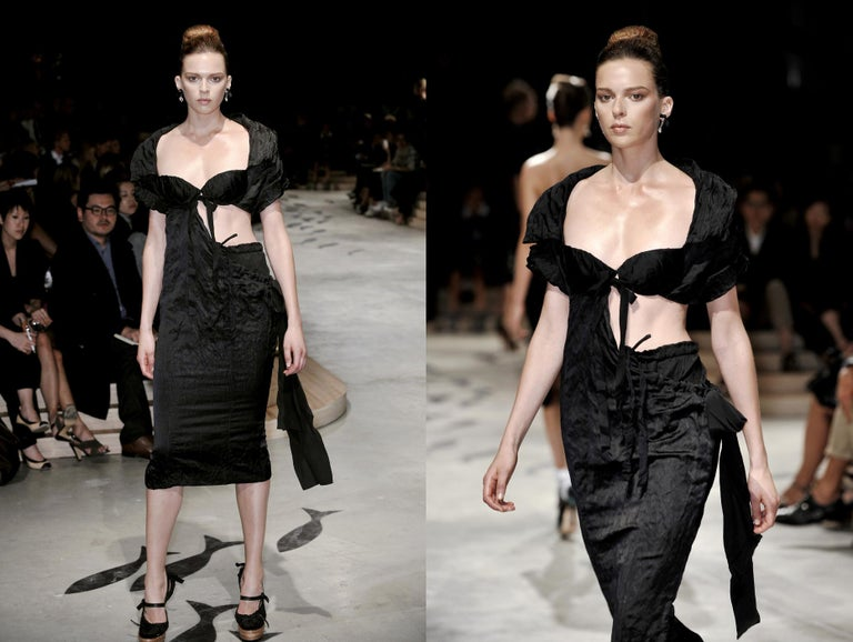 Prada black crinkled dress with cut-out and attached bra, ss 2009 In Excellent Condition For Sale In London, GB