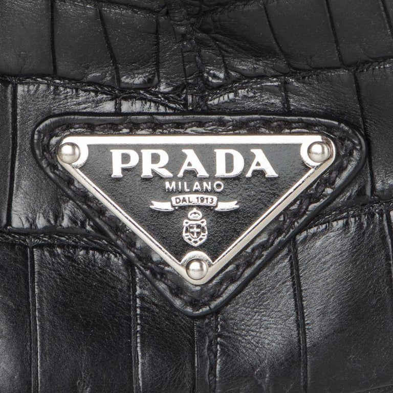 PRADA black CROCODILE large Top Handle Bag In Excellent Condition For Sale In Zürich, CH
