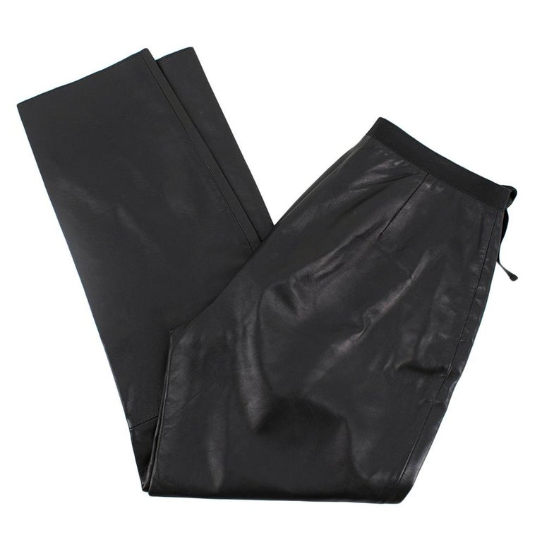 Prada Black Cropped Leather Pants SIZE M In Good Condition For Sale In London, GB