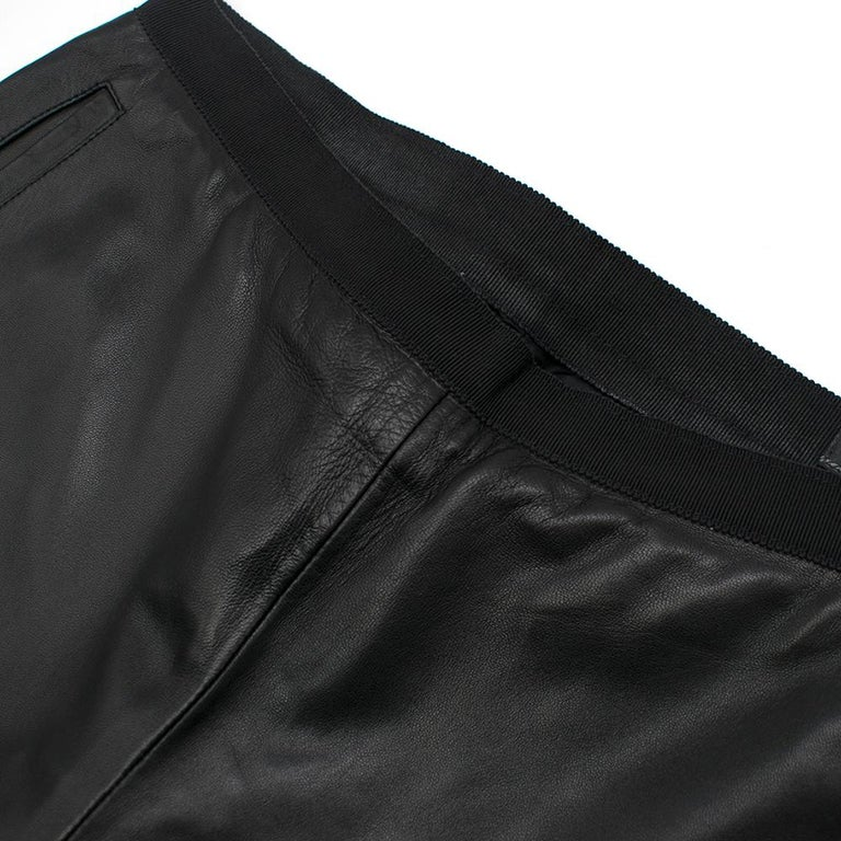 Women's Prada Black Cropped Leather Pants SIZE M For Sale