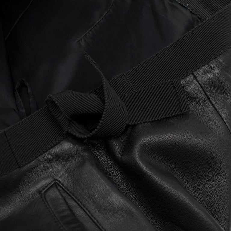Prada Black Cropped Leather Pants SIZE M For Sale 2