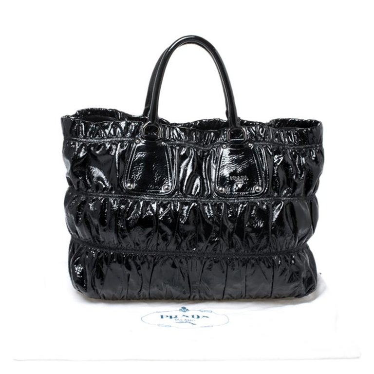 Prada Black Gaufre Patent Leather Large Tote For Sale 7