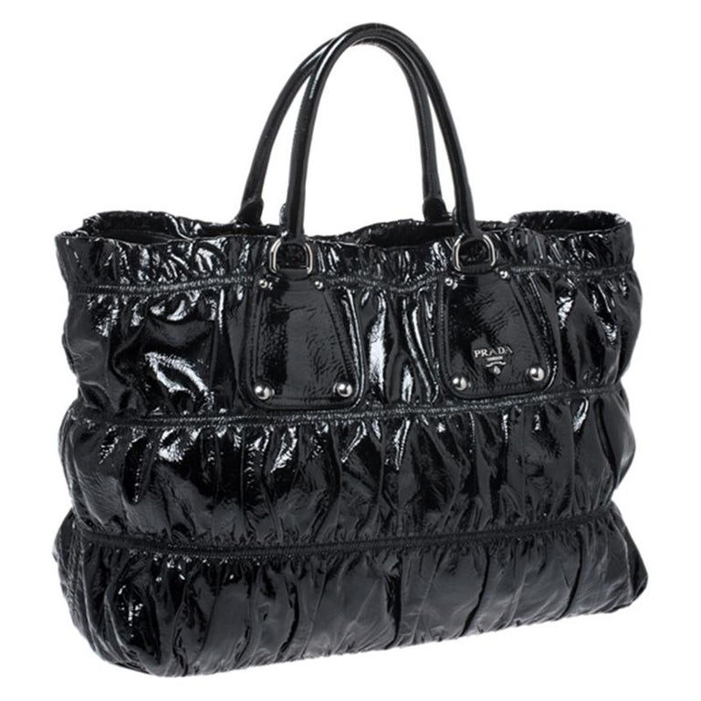 Women's Prada Black Gaufre Patent Leather Large Tote For Sale