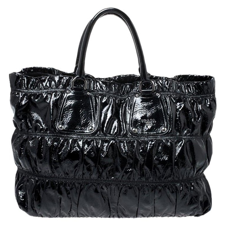 Prada Black Gaufre Patent Leather Large Tote For Sale