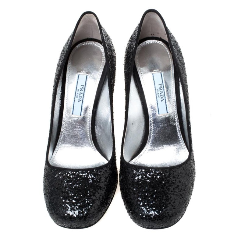 Prada Black Glitter Block Heel Pumps Size 36 In Good Condition For Sale In Dubai, Al Qouz 2