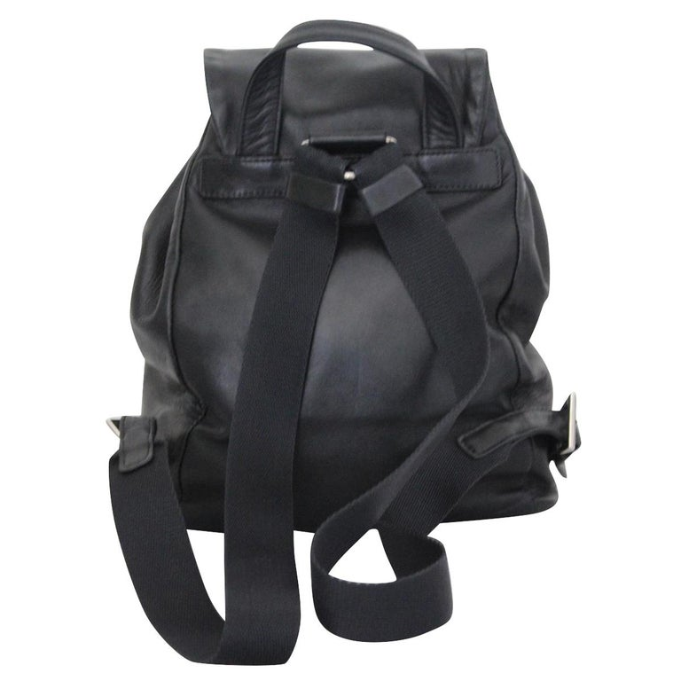 Super quality Prada backpack YSupersoft leather Black color Metal inserts Buckle closure Internal zip pocket Cm 20 x 26 x 15 (7.8 x 10.2 x 5.9 inches) Original price € 1550 Worldwide express shipping included in the price !