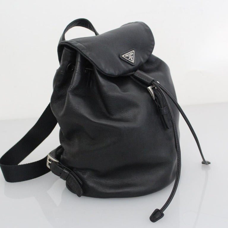 Prada Black Leather Backpack In Excellent Condition In Gazzaniga (BG), IT