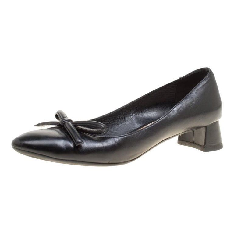 Prada Black Leather Bow Block Heel Pumps Size 39 For Sale