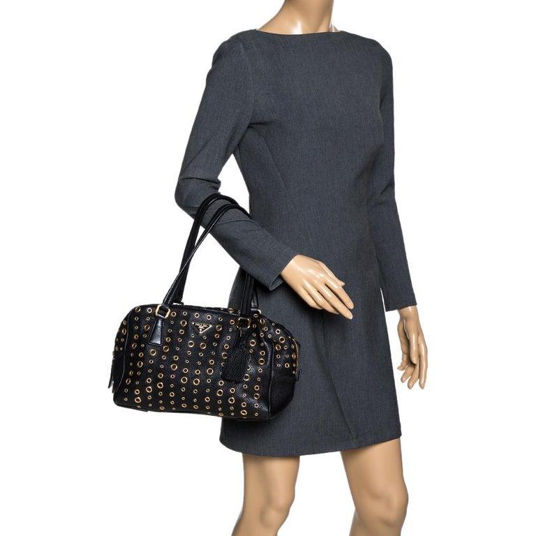 Prada Black Leather Grommet Bauletto Bag In Good Condition For Sale In Dubai, Al Qouz 2