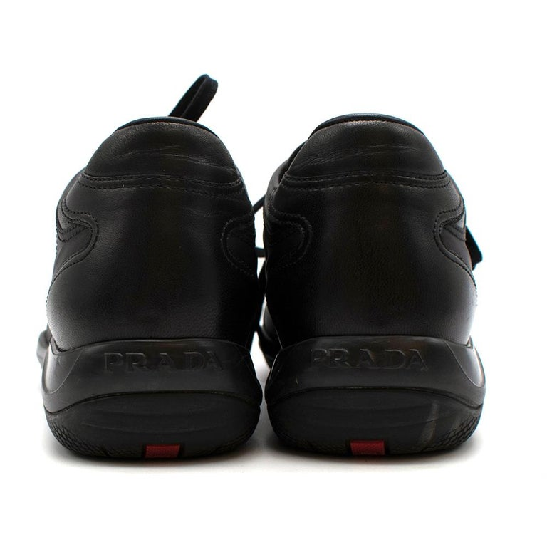 Prada Black Leather Nylon Low-Top Sneakers 37 In Excellent Condition For Sale In London, GB