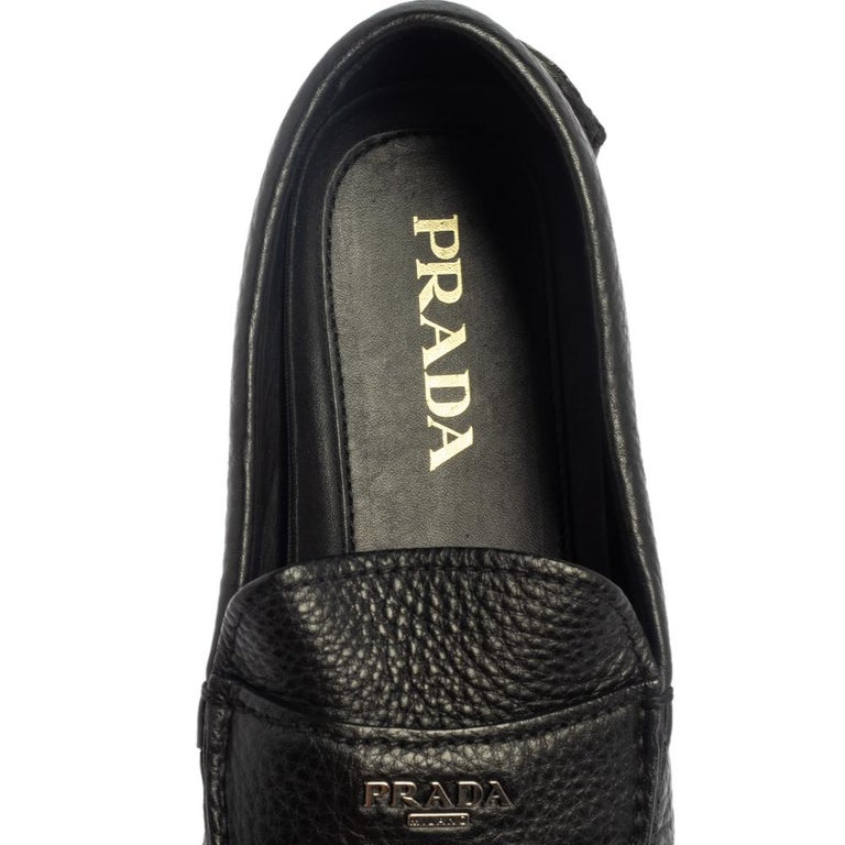 Prada Black Leather Slip On Loafers Size 42 For Sale 2