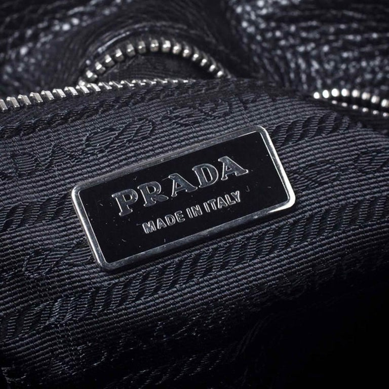 Prada Black Leather Vitello Daino Side Pocket Shoulder Bag For Sale 2
