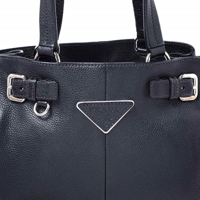 Prada Black Leather Vitello Daino Side Pocket Shoulder Bag For Sale 3