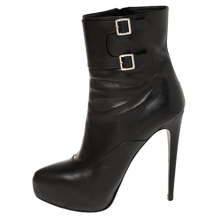 Prada Black Leather Zipper Detail Ankle Boots Size 39.5 For Sale 1