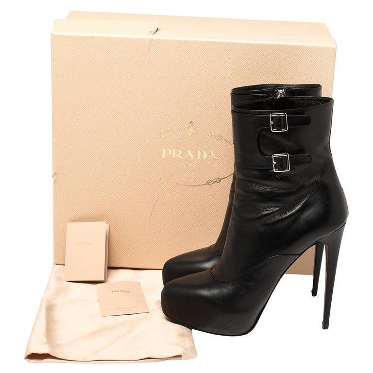 Prada Black Leather Zipper Detail Ankle Boots Size 39.5 For Sale 5